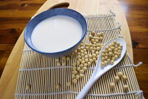 soy isoflavones reduce menopause symptoms