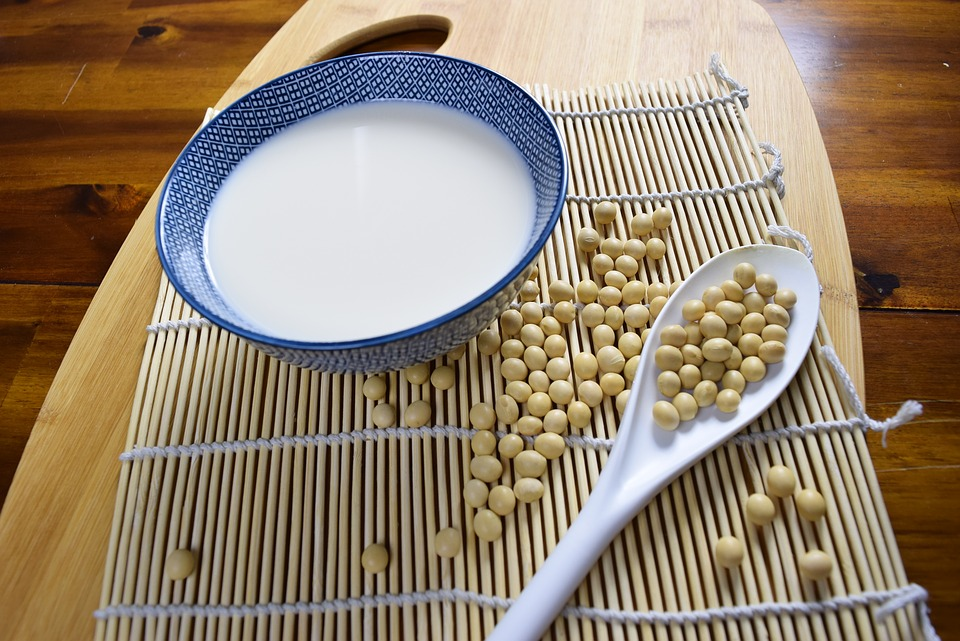 soy isoflavones reduce menopause symptoms